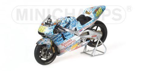 1:12 Minichamps 2001 Honda NSR 500 #46 Valentino Rossi GP Mugello 2001 Dirty Version *GB*
