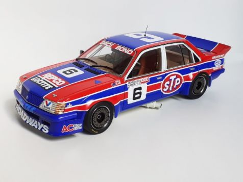 18548 1:18 Classic Carlectables 1984 Holden VH Commodore #05 Peter Brock ATCC 2nd Place