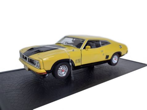 1-32-signature-models-ford-falcon-xb-gt-hardtop-2-door-yellow-blaze