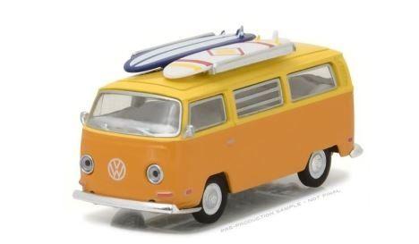 1:64 Greenlight - 1971 Volkswagen Type 2 (TB2) Van with Surf Boards