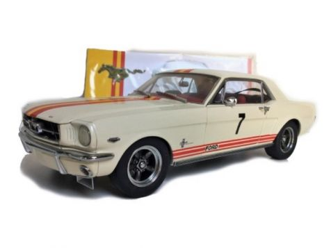 1:18 Classic Carlectables Bob Jane's 1965 Mustang #7