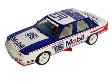 1:18 Classic Carlectables 1985 Bathurst Holden VK Commodore #05 Brock/Oxton