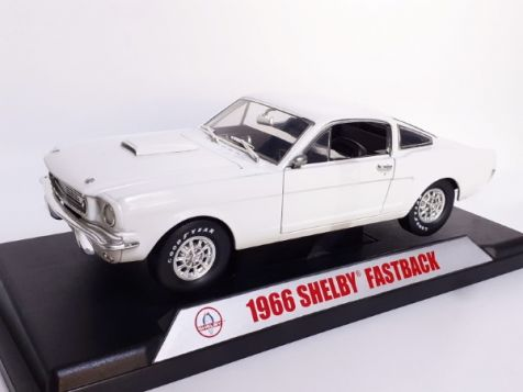 1:18 Shelby Collectables 1966 Shelby GT350 Fastback, White diecast model