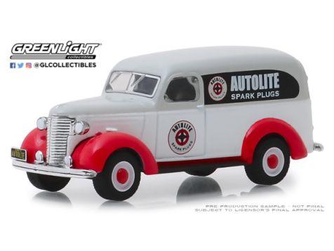 1:64 Greenlight Running on Empty 1939 Chevrolet Panel Truck Autolike Spark Plugs