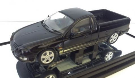 1:43 Classic Carlectables 2002 Ford Falcon XR8 UTE in Silhouette