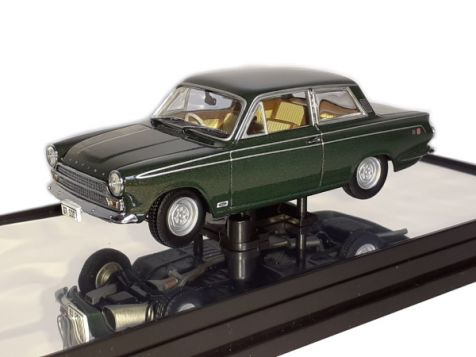 1:43 Classic Carlectables Ford Cortina GT500 1965 Ivy Green
