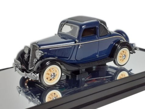 1:43 Classic Carlectables Ford V8 Coupe in Washington Blue 43563