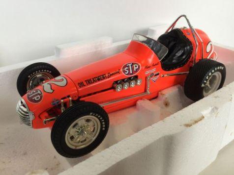 1:18 GMP Mario Andretti / STP Oil Treatment Offenhauser #2 Dirt Champ 7624