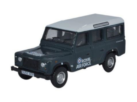 1:76 Oxford Diecast Land Rover Defender Station Wagon RAF
