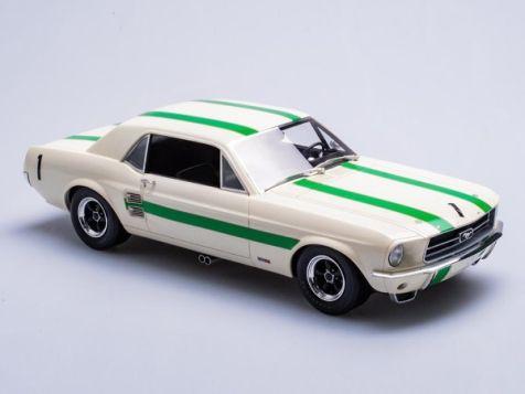 "1:18 Biante/Apex 1967 Ford Mustang #1 ""Pete"" Geoghegan"