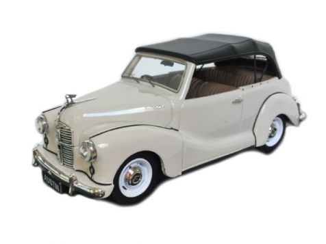 1:43 Trax - Austin A40 Soft Top - Oyster White - TRR19B